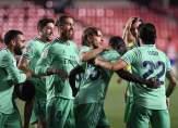 موجز الصباح: فوز وحيد يفصل ريال مدريد عن اللقب، تعادل بطعم الهزيمة لليونايتد وحالة كورونا في الدوري الانكليزي