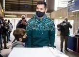 ميسي يدلي بصوته في الانتخابات الرئاسية لنادي برشلونة