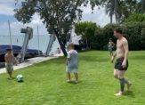 ميسي يتدرّب منفردا مع أطفاله