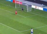 أغرب الأهداف الكوميدية التي يُمكن أن تراها في ملاعب كرة القدم