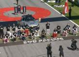 سائقو الفورمولا وان يكافحون العنصرية قبل انطلاق سباق النمسا