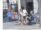اريكسن مع عائلته في شوارع كوبنهاغن