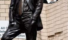 ازاحة الستارة عن تمثال لاسطورة نيوكاسل بوبي روبسون