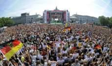الالاف في إستقبال المنتخب الالماني