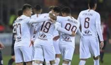 روما يغلب كالياري على أرضه وبين جماهيره في مباراة مجنونة
