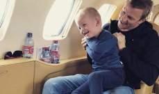 كيمي رايكونين مع إبنه في طائرته الخاصة