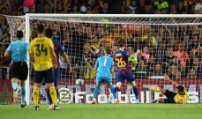 جماهير ارسنال تتعاطف مع نايلز بعد خطأه امام برشلونة