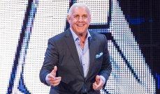 اتحاد WWE يصرف فلير بناءا على طلبه