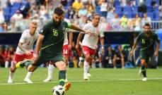 انطلاق الشوط الثاني من مباراة استراليا و الدنمارك