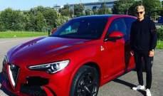 ماركوس إيركسون يعرض سيارته الجديدة
