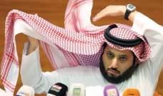 تركي آل الشيخ ينفي تفاوضه مع ثلاثي منتخب مصر