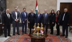 نادي حبوب يهدي رئيس الجمهورية كأس بطولة لبنان لكرة الطائرة