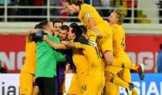 فرحة مجنونة للاعبي استراليا بالتأهل الى ربع نهائي كأس آسيا