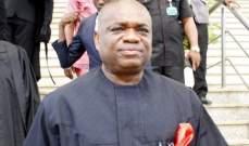 ملياردير نيجيري يخطط لشراء حصة كبيرة في أرسنال