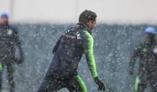 دافيد سيلفا يخوض التدريبات تحت الثلوج