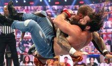 "WWE: ماكنتاير يفوز على ريدل وستايلز ويتأهل الى مباراة ""Money in the Bank"""