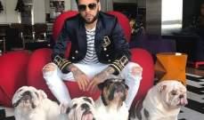 داني الفيس مع مجموعة كلاب بولدوغ