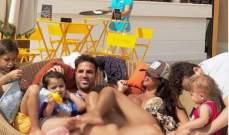 سيسك فابريغاس يمضي عطلته مع عائلته