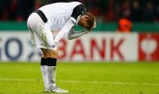 أول مصاب بكورونا في الدوري الالماني يغادر فريقه