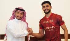 النصر يجدد عقد مدافعه العمري لمدة 3 مواسم