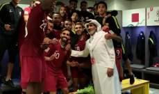 فيديو: رئيس اتحاد قطر يحتفل مع اللاعبين عقب الفوز على لبنان