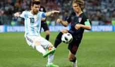فيرون : ميسي ليس مارادونا !