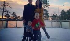 كيمي رايكونين مع عائلته على الثلج