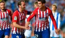 اتلتيكو مدريد يبقي على صراع الليغا مع برشلونة بفوزه على سوسييداد