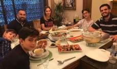 فادي الخطيب يتناول الإفطار مع عائلته