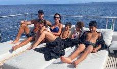 رونالدو في وقت راحة مع جورجينا والأولاد