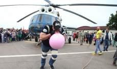 الروسي سيرغي يستعد لسحب أكبر مروحية في العالم