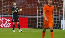 خطأ لكل من سيمون وماركو في مباراة اسبانيا وهولندا الودية