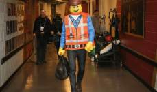 """جي جي ريديك يصل بزي """"lego"""" الى مباراة دنفر"""