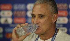مدرب المنتخب البرازيلي يدافع عن نيمار ويرد بحزم على كابيلو
