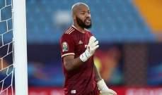 إيقاف الجزائري مبولحي حارس الاتفاق مباراتين وتغريمه