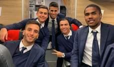 رونالدو والزملاء في الطائرة الى فيورنتينا