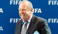 رئيس اللجنة الطبية في الفيفا يستبعد عودة كرة القدم قبل أيلول