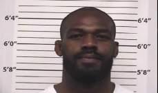 اعتقال مقاتل اليو أف سي جون جونز