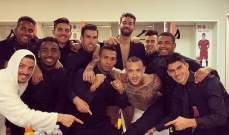 لاعبو روما يشكرون برونو بيريس على مساهمته بالتأهل