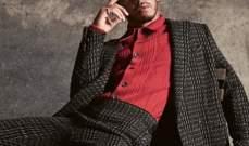 لويس هاميلتون يتابع عرض الأزياء