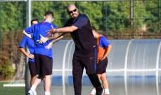 فالديس يقود تمارين حراس فريق شباب برشلونة لاول مرة