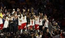 احتفالات لاعبي تورنتو بالفوز بلقب NBA