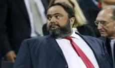 رئيس أولمبياكوس يتخذ قراراً غير مسبوقاً تجاه لاعبيه