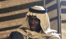 الفرنسي بافيتيمبي غوميس بالزّي العربي