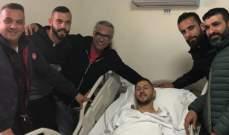 """لاعب الأنصار """"نصار نصار"""" يخضع لعملية جراحية ناجحة"""