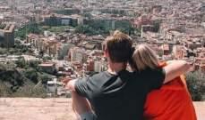 دي يونغ وصديقته في برشلونة: فصلنا الجديد