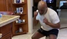 مايك تايسون يواجه كلبه في مباراة ملاكمة