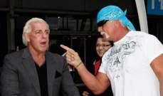 WWE: فريق هوغان يواجه فريق فلير في مباراة بين 10 مصارعين