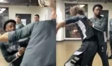 اشكال بين لوبيز وماثيوز على طريقة WWE