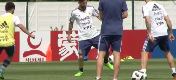 فيديو : كأس العالم 2018 :  ميسي خلال الحصص التدريبية لمنتخب الأرجنين قبيل المواجهة الحسم